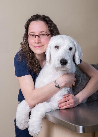 Geneviève Ricard, chef d'équipe, technicienne en santé animale